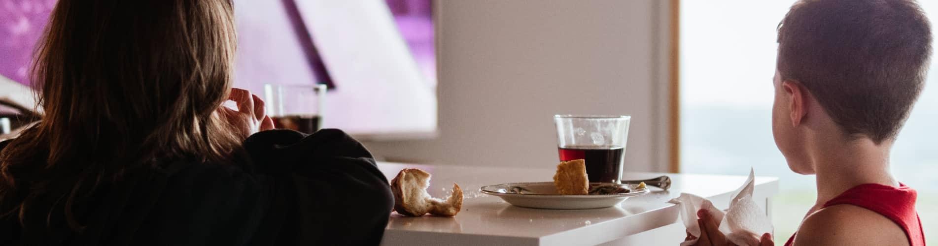 Ways Distracted Eating Can Decrease Your Health
